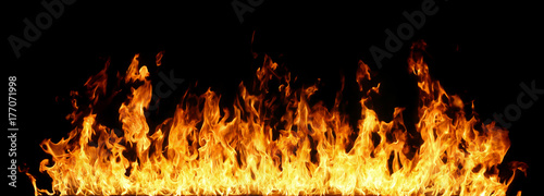 Photo sur Aluminium Feu, Flamme Fire flames on black background.