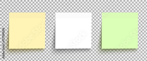 Photo  Yellow, white and green sticky notes isolated on a transparent background