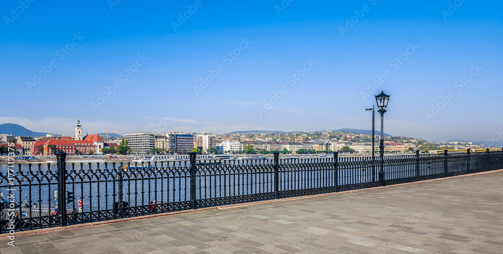 Fototapety, obrazy: The embankment of the river Danube in Budapest. Hungary