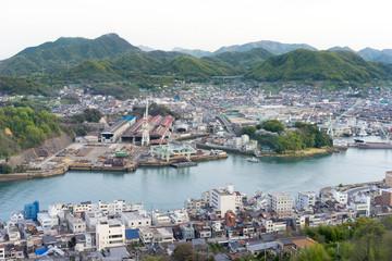 造船業が盛んな海辺の町(日本・広島・尾道)