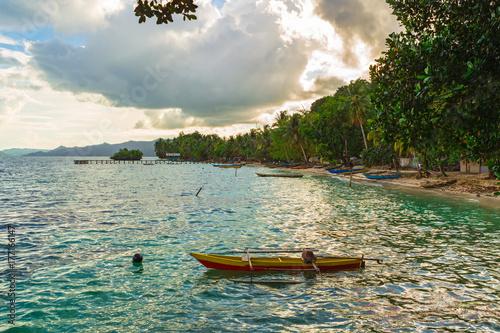 Fotografía  Small village in Raja Ampat, West Papua, Indonesia.