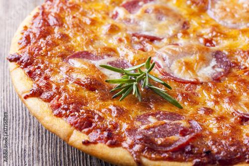 Zdjęcie XXL Zakończenie pizza na drewnie