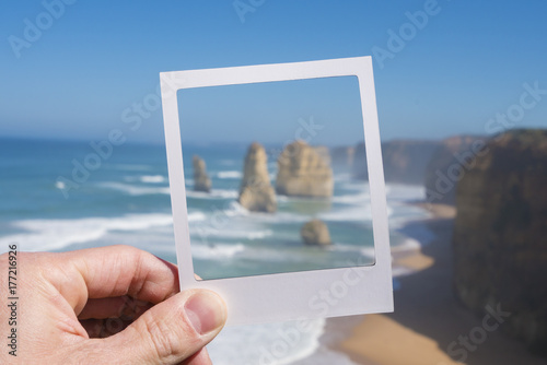 Poster Océanie Twelve Apostles in a picture frame