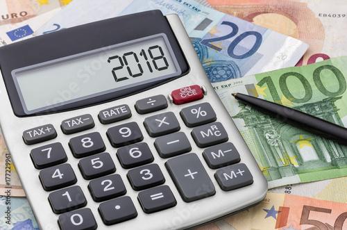 Stampe  Taschenrechner mit Geldscheinen - 2018