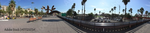 Tableau sur Toile Barcelona beachside walk way