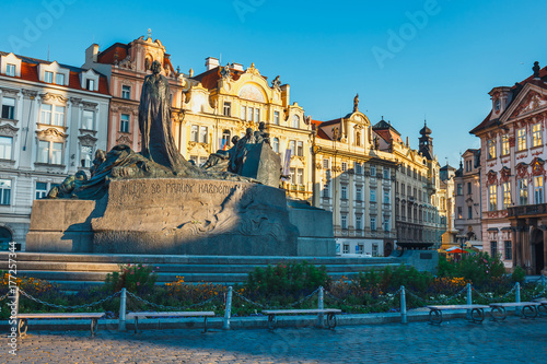 Foto op Aluminium Rome Autumn morning on the Old Town square in Prague, capital of Czech Republic