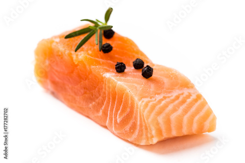 Poster Vis fresh raw salmon isolate on white