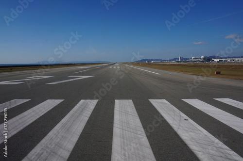 Photo 神戸空港の滑走路