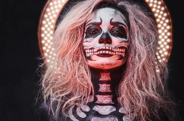 Halloween female skull make...