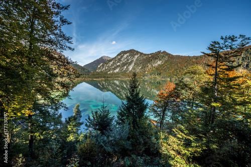Plakat Alpejski jezioro w jesieni - Górny Austria
