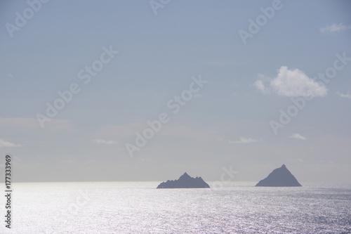 Photo  Skellig islands in sunshine