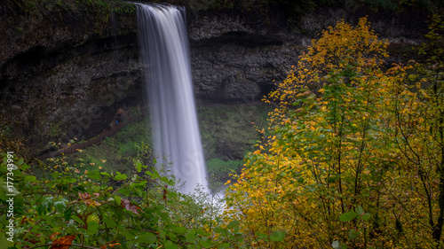 Obraz na płótnie Silver Falls jesienią
