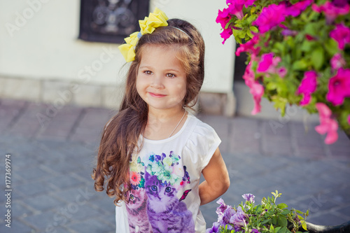 e4718bc5fe80 adorable little baby girl with pout tiny lips and brunette hairs ...