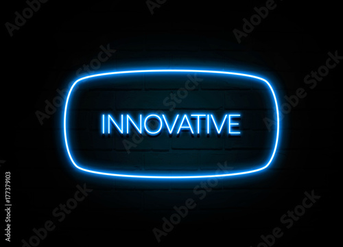 Fotografiet  Innovative  - colorful Neon Sign on brickwall