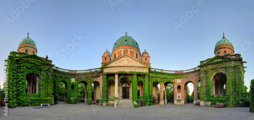 Foto op Canvas Begraafplaats Ivy-covered Interior Walls of Mirogoj Cemetery