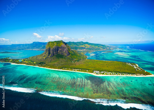 In de dag Luchtfoto Aerial view of Mauritius island