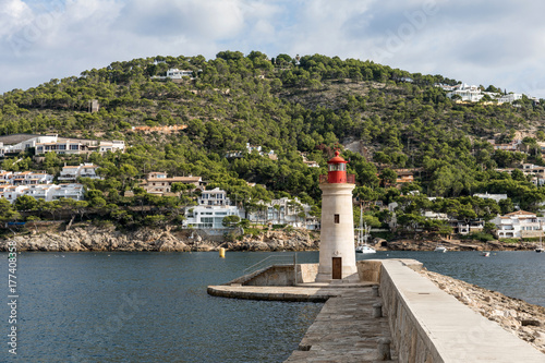 Zdjęcie XXL Latarnia morska na port Andratx na Majorce (Baleary, Hiszpania)