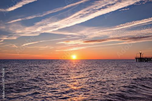 Zdjęcie XXL Zachód słońca niebo nad morzem.
