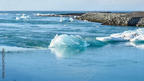 Poster Scandinavië Scenic view of icebergs in glacier lagoon, Iceland