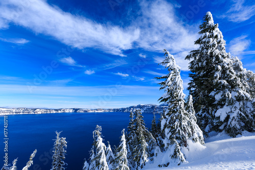 Stampa su Tela Crater Lake already covered in snow by late fall