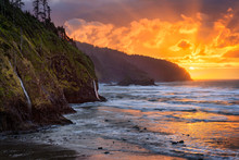 The Sun Sets Over The Pacific At Cape Lookout State Park, Oregon