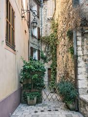 Panel Szklany Podświetlane Uliczki Courtyard in the old French town