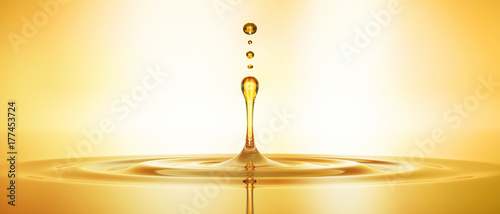 Fototapeta Tropfen aus goldenem Öl 3 obraz