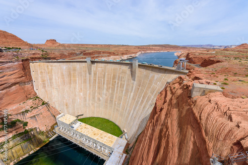 Plakat Glen Canyon Dam w Colorado River, Lake Powell, Arizona, USA
