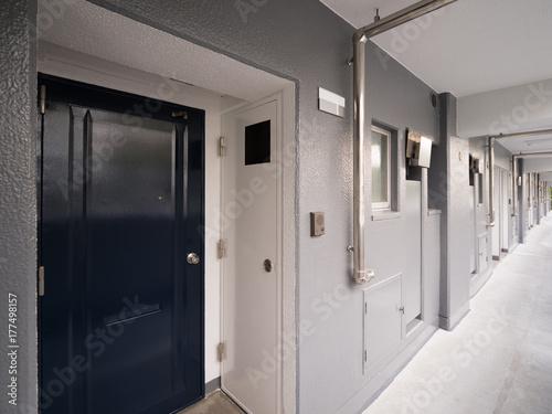 Fotografie, Obraz 集合住宅の廊下