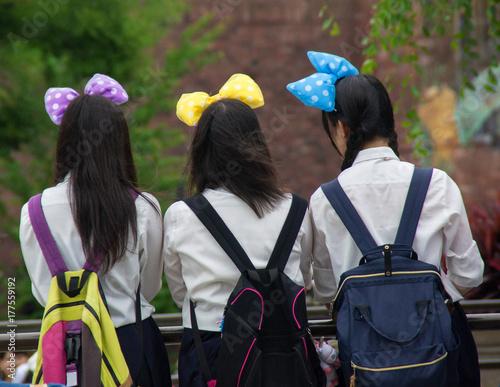 Tuinposter Amusementspark 遊園地 女子中学生