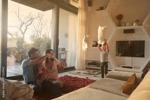 Fotografie, Obraz  Family playing
