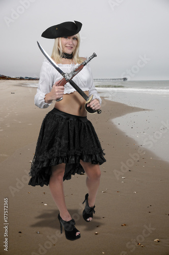 Photo Beautiful Woman Pirate