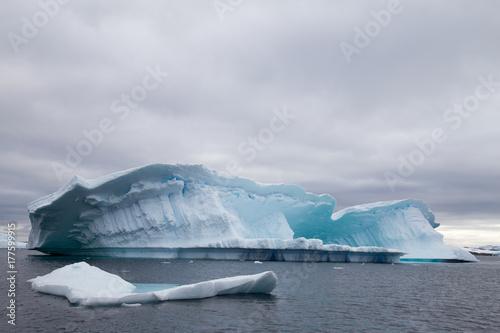 Foto op Plexiglas Arctica Iceberg, Antarctica