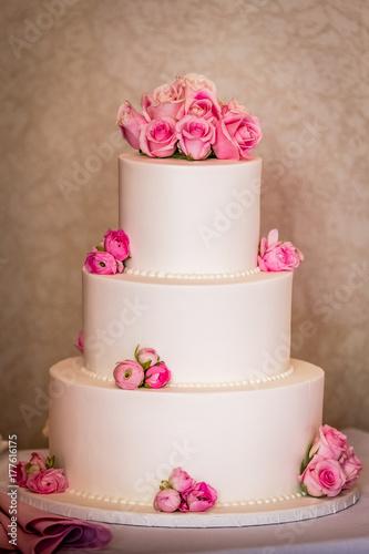 Plakat różowa tort weselny