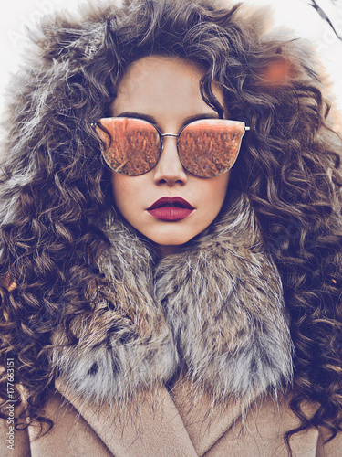 Fotografie, Tablou  Fashion beautiful lady in autumn landscape