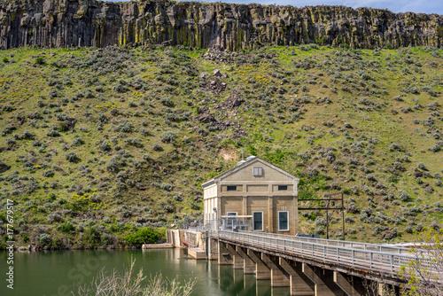 Fototapeta Odwrócenie Idaho Zapora na rzece Boise i mostek