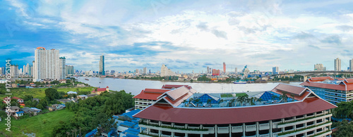 Photo Landscape of River in Bangkok city with blue sky