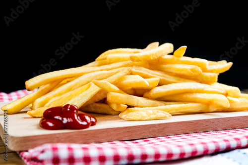 golden-french-fries-potatoes-ready