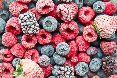Obraz Frosted or frozen berries background. Frozen berries. - fototapety do salonu