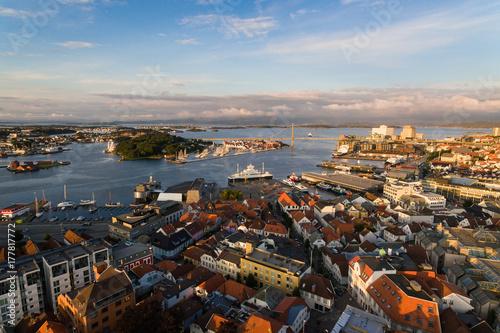 In de dag Ochtendgloren Stavanger city, top view