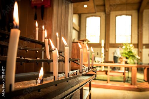 Fototapeta Świece Kościoła Płonące