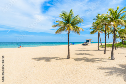Valokuva Paradise beach at Fort Lauderdale in Florida on a beautiful sumer day