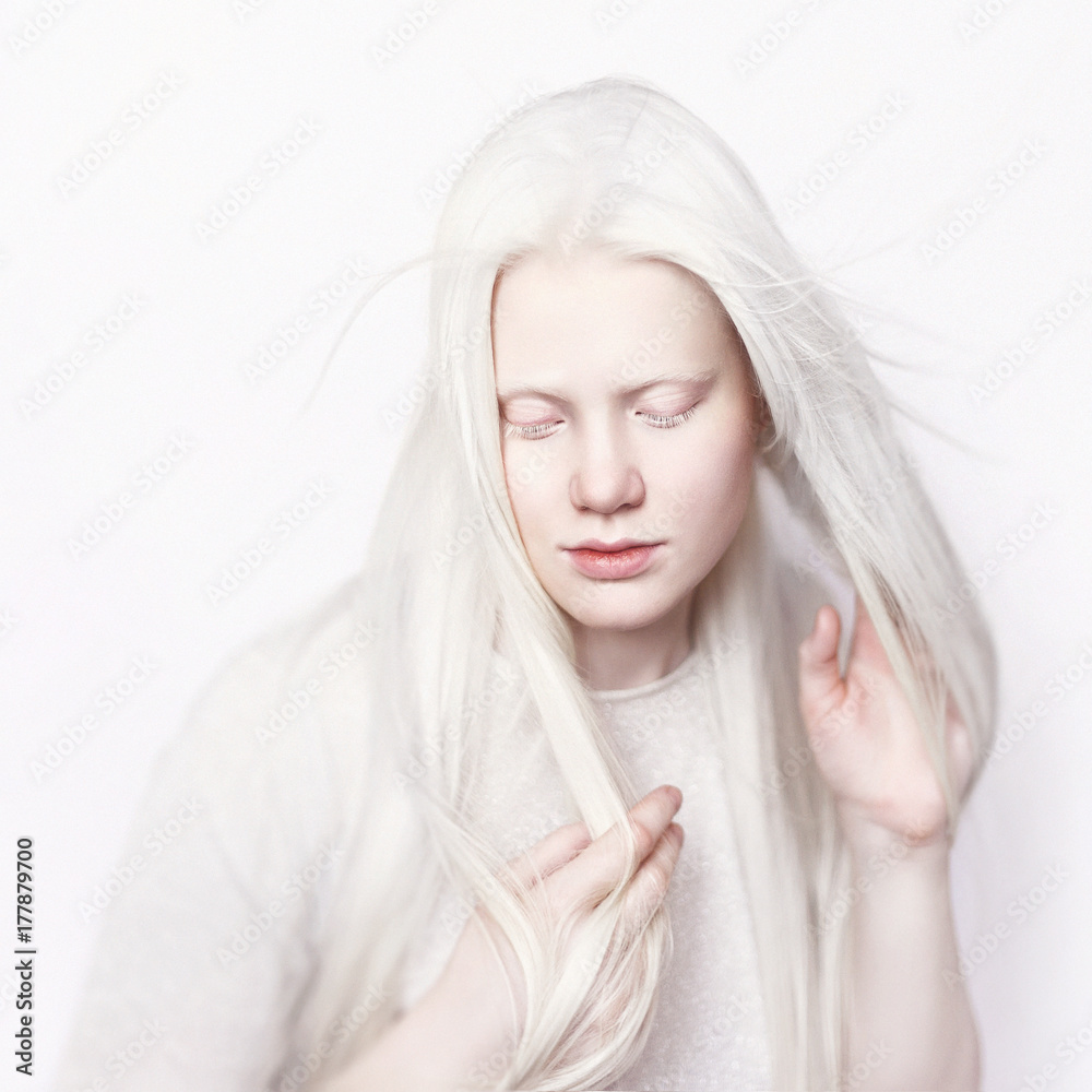 Fotografie, Obraz Albino girl with white skin, natural lips and white hair