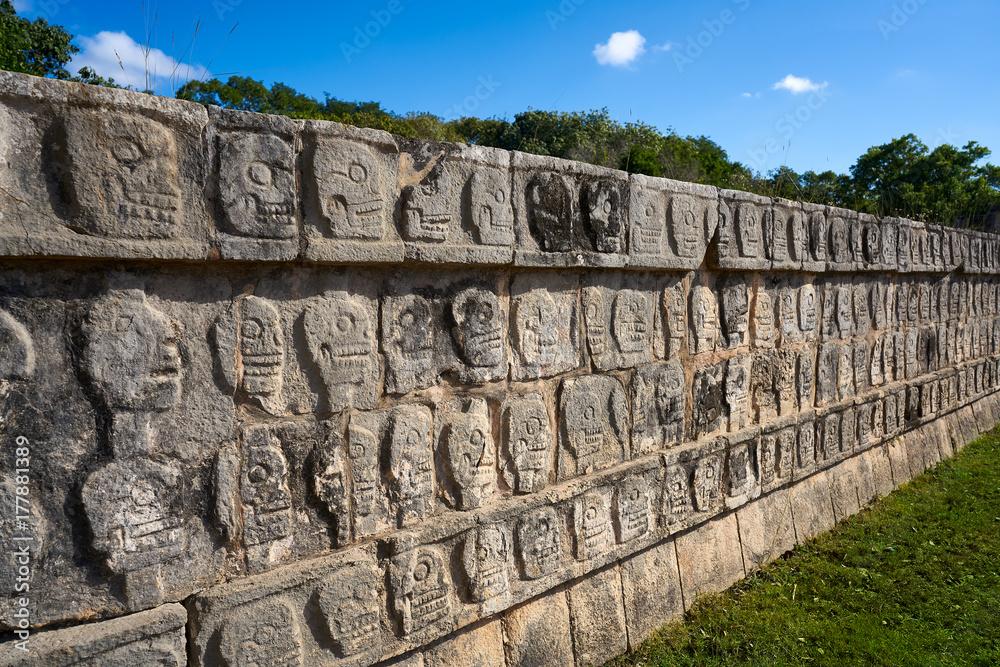 Fototapeta Chichen Itza Tzompantli the Wall of Skulls