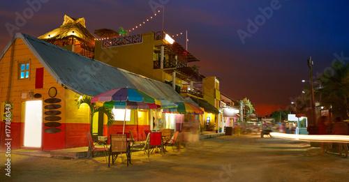 Foto auf Gartenposter Karibik Holbox Island Caribbean houses sunset Mexico