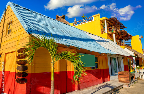 Foto op Plexiglas Caraïben Holbox Island colorful Caribbean houses Mexico