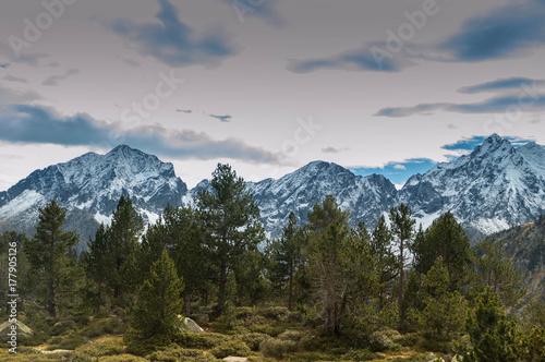 Lacs d'Aumar et d'Auber, massif du Néouvielle, prc national ds Pyrénées Canvas Print