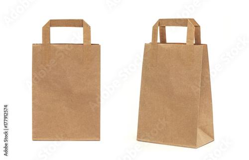 Fototapeta Recycled paper shopping bag on white background. obraz