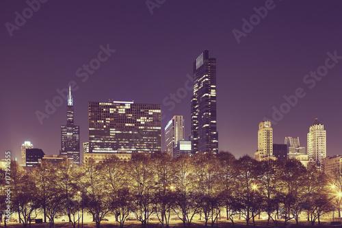 Fototapeta Chicago śródmieście przy nocą, koloru tonowanie stosować, usa.