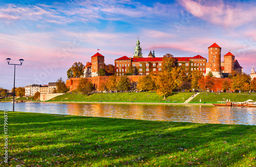 Fotobehang Purper Wawel castle famous landmark in Krakow Poland. Picturesque